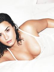 Demi Lovato flashes big tits