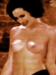 Nackt Marybeth Young  Naked Yoga