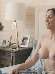 Catherine Reitman  nackt