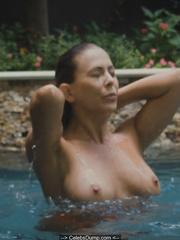 Nude leah renee Leah Renee