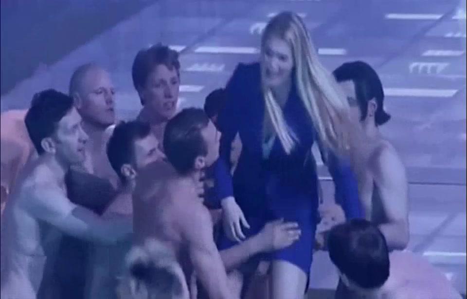 Video oper nackt Naked opera