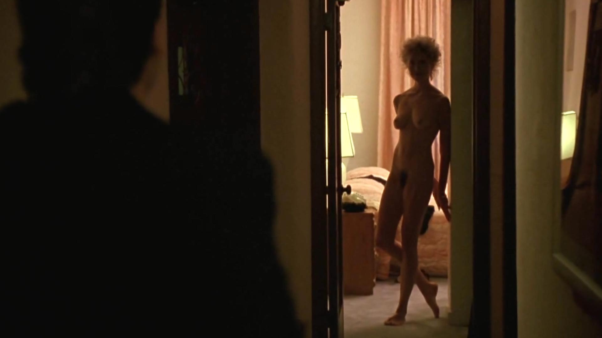 Nude lady super model