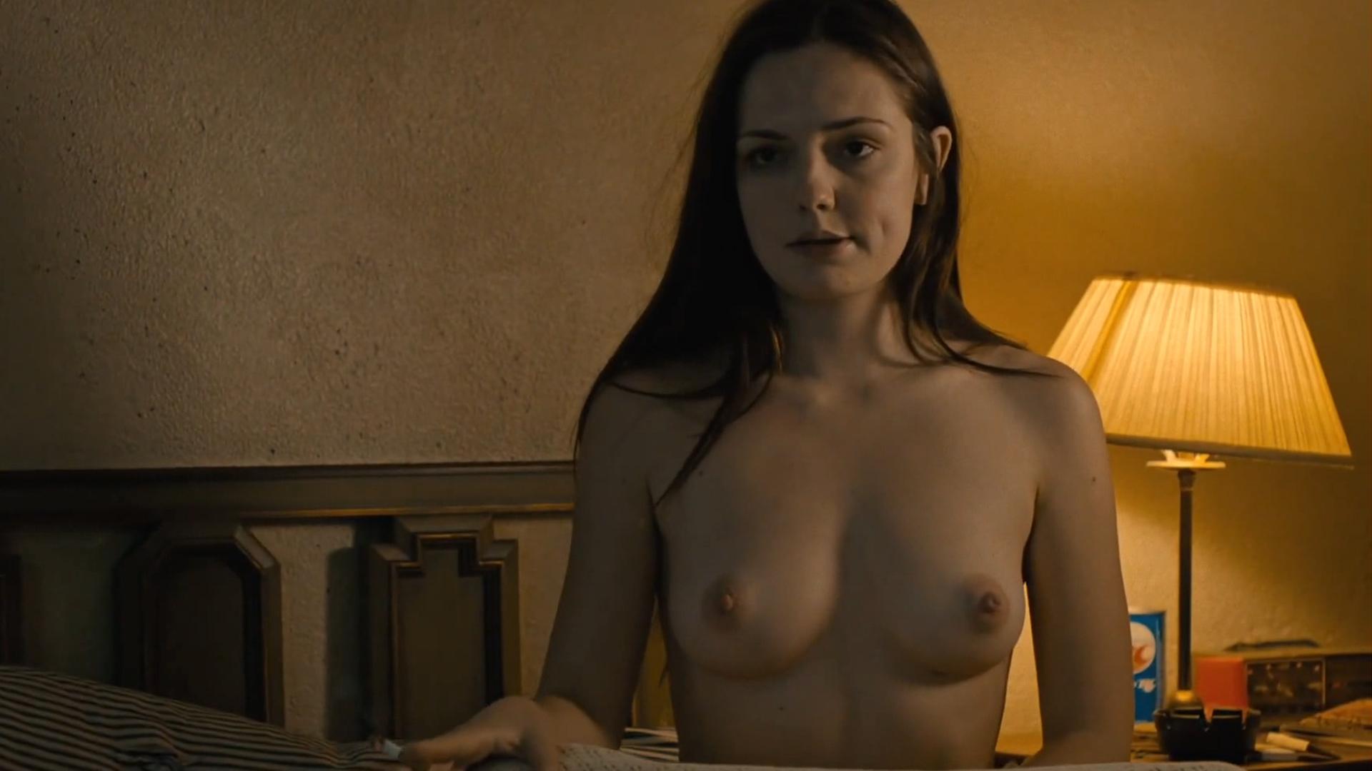 Nude y accident