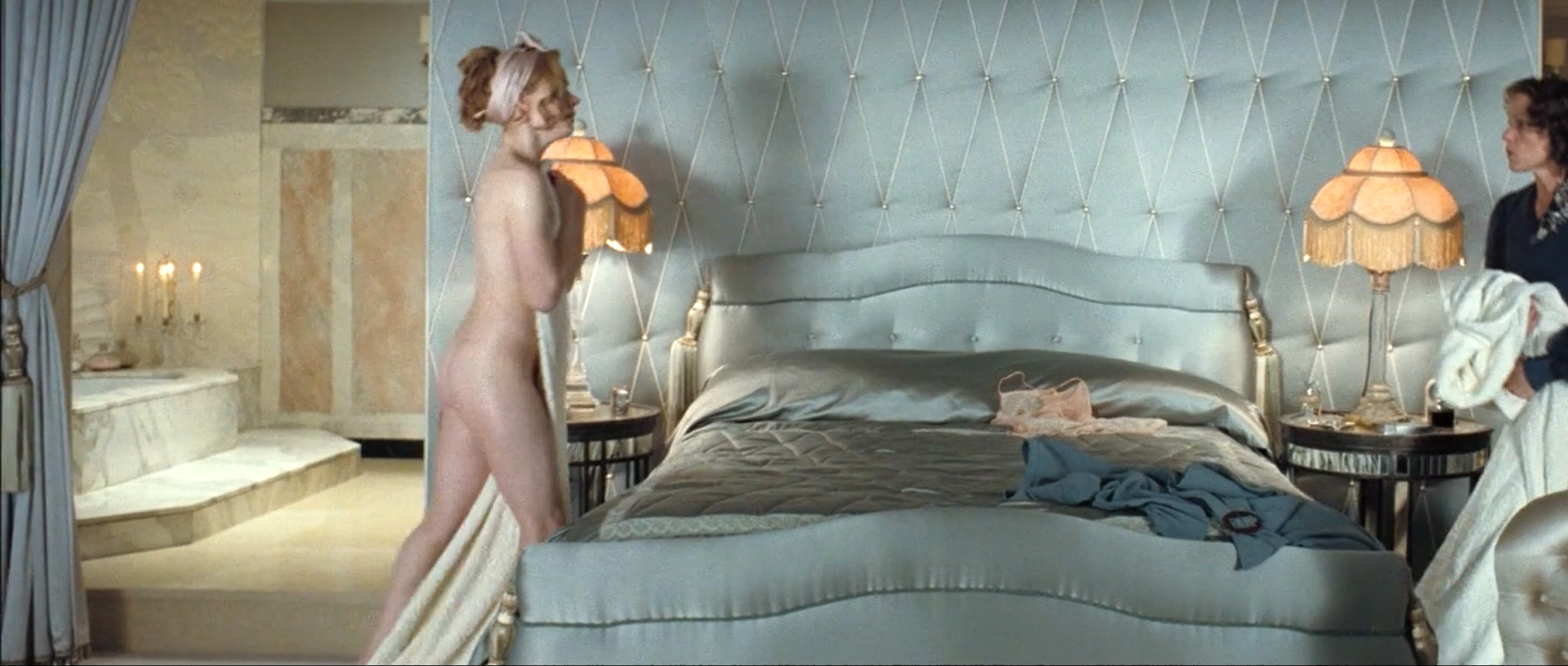 Amy Adams Nude Scene amy adams - miss pettigrew lives for a day (2008) - celebs