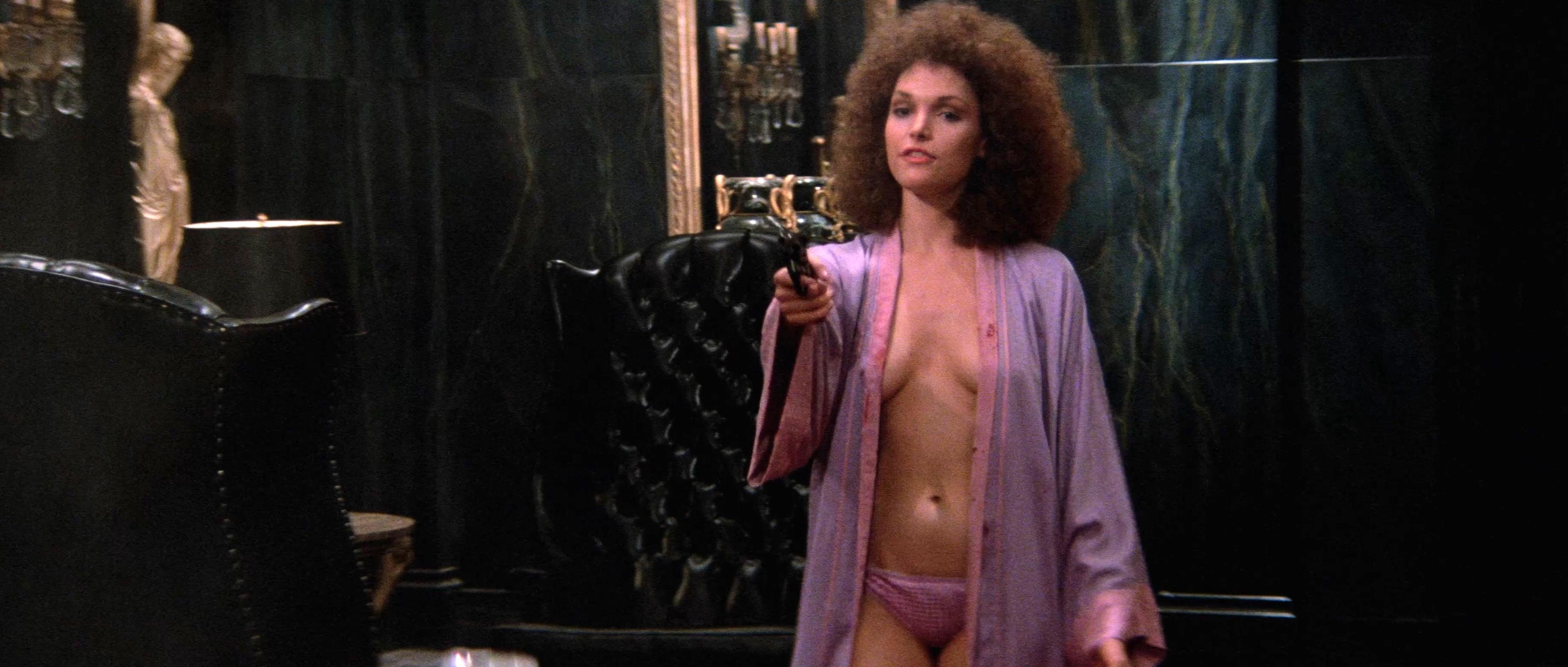 Mastrantonio  nackt Mary Elizabeth 41 Sexiest