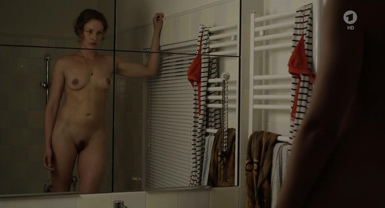 Katharina Lorenz  nackt