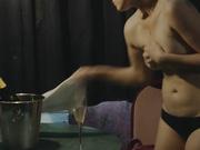 Malina Manovici  nackt