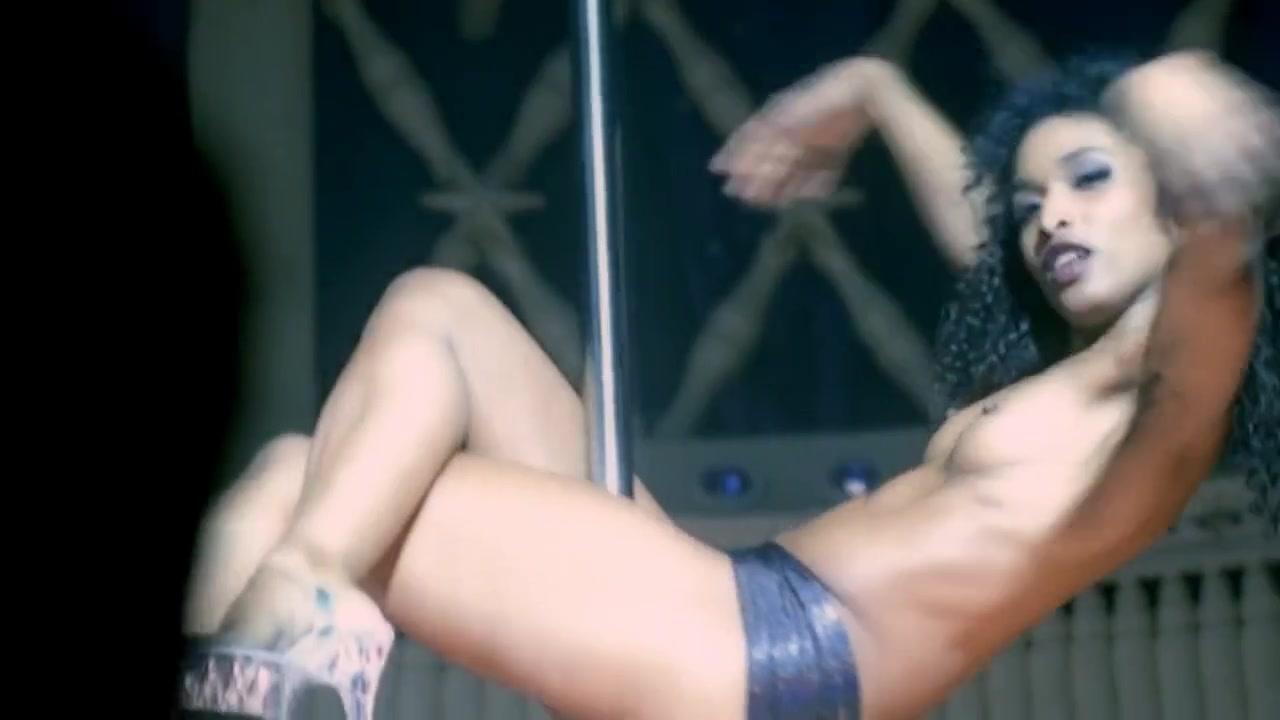 X nackt sara Sara Martins