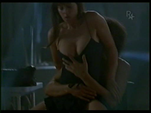 mike-monica-bellucci-dirty-nude-back